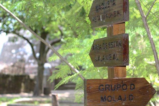 San Juan Sacatepequez, Guatemala: Senderos