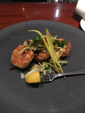 Yabba Island Grill : Crab cakes were best he's had in awhile. Great outside bar