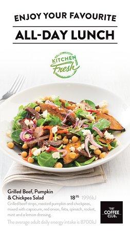 Coolum Beach, Австралия: Grilled Beef, Pumpkin & Chickpea Salad $18.95