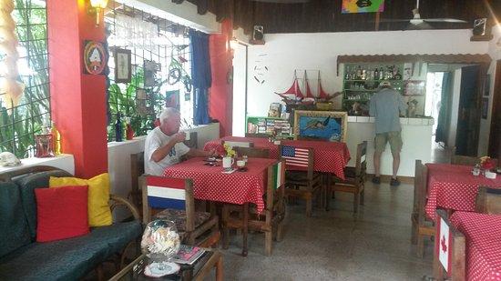 Hotel Pato Loco Inn: IMG_20170922_103925228_large.jpg