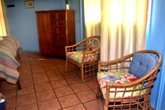 Seine Bight Village, Belize: Queen Angel Sitting Area