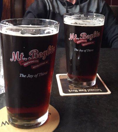 Sir Winston's Pub: Delicious Mt. Begbie Tmber Ale
