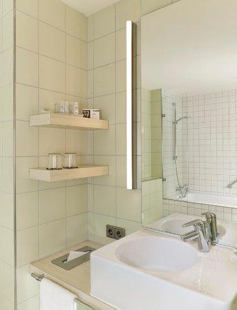 Art'Otel Berlin Kudamm: Bathroom Art Suite