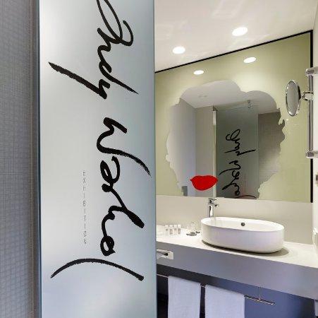 Art'Otel Berlin Kudamm: Bathroom