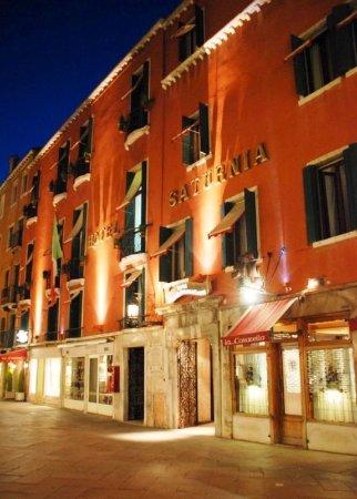 Hotel Saturnia & International: Exterior