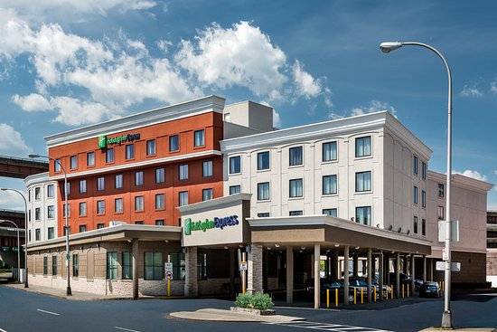 Gym - Picture of Holiday Inn Express Albany - Downtown ...
