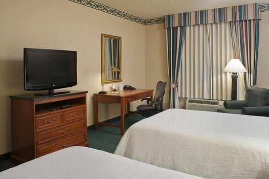 Hilton Garden Inn Allentown-Bethlehem Airport: 2 Bed Guestroom