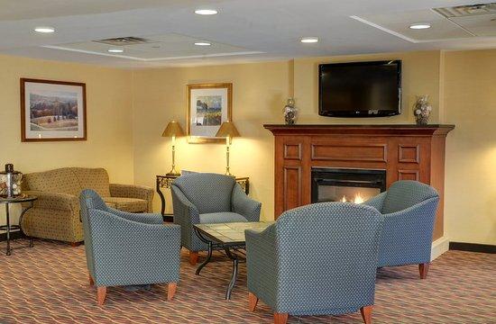 Lawrence, MA: Hotel Lobby