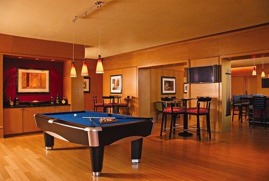 Irving, TX: Billiards at M Bar