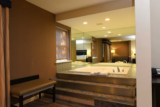 Rensselaer, Нью-Йорк: Jacuzzi suite for a relaxing get away!