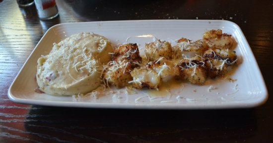 Carrabba's Italian Grill: Shrimp and Seafood Spiedino with Mashed Potatoes