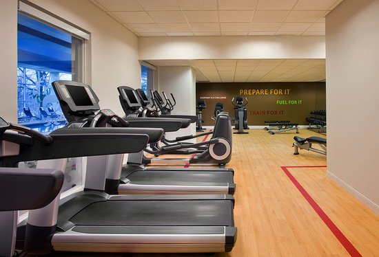 Mahwah, NJ: Fitness Center