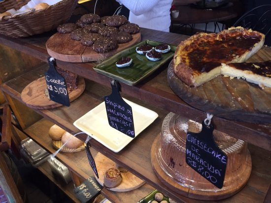 Bolos E Biscoitos Foto De Taberna D Omar Sao Joao Del Rei Tripadvisor