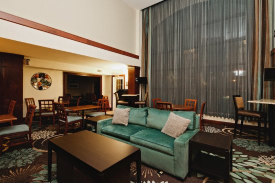 Irving, TX: Guest Lounge