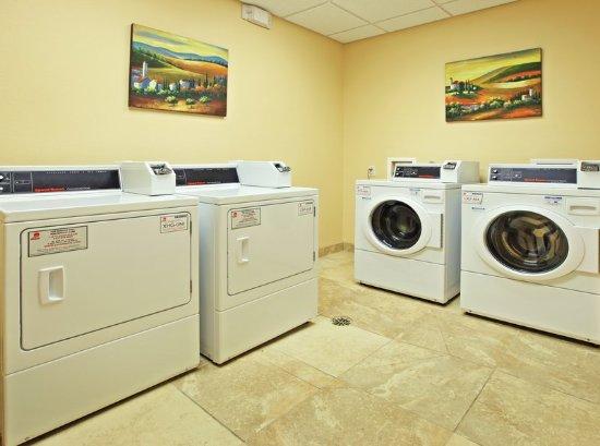 Marshall, TX: Laundry Facility