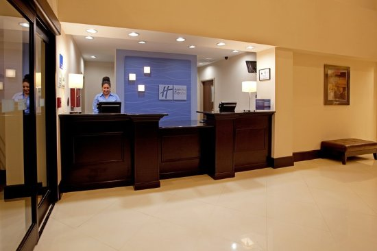 Welcome to the Holiday Inn Express Hope Mills near Fort Bragg NC