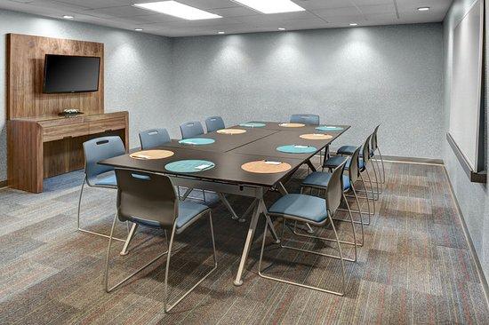 El Segundo, CA: Tactic Meeting Room