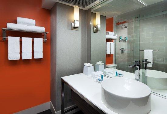 El Segundo, CA: Bathroom