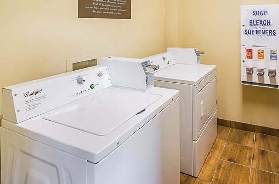 Comfort Inn & Suites: Laundry Room