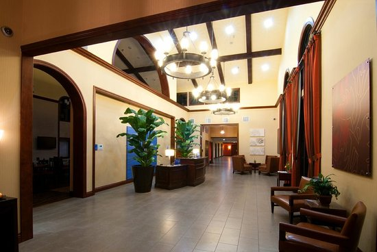 Guest Lounge - Picture of Holiday Inn Express San Clemente ...