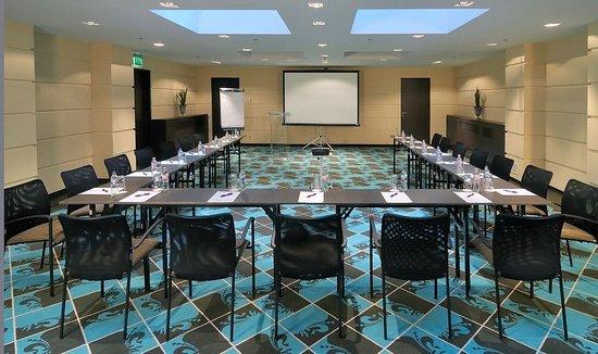 La Prima Fashion Hotel: Meeting Room