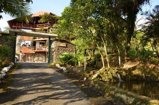 Provincia de Pichincha, Ecuador: A lo que llegas,ya puedes ver una paisaje hermoso