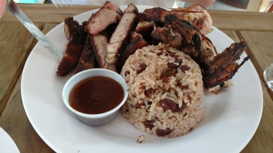 Bodden Town, Grand Cayman: Jerk platter with chicken and pork...and red beans and rice