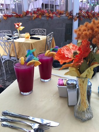 Rancho de Chimayo Restaurante: Prickly Pear Lemonade