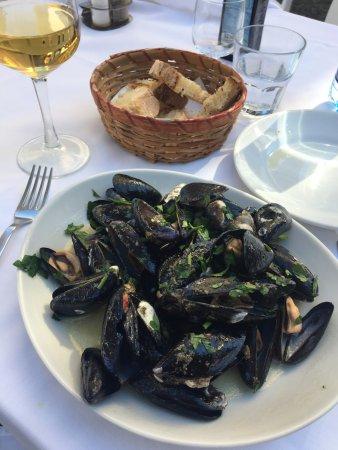 Trattoria Castel Dell  Ovo: Soute' di cozze (mussel soup)