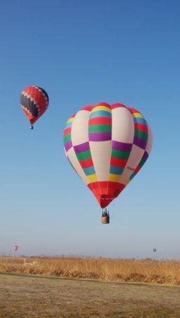 Watarase Yusuichi: 低空を飛ぶ熱気球
