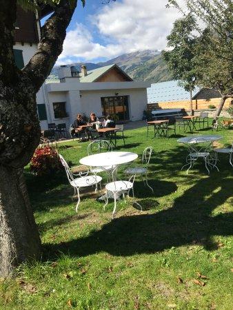 Hotel le Malgovert : parc ombragé