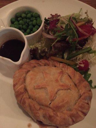 The Globe - steak and onion pie