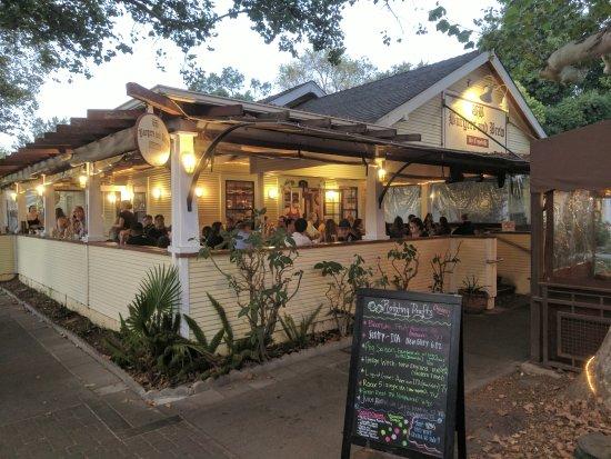 Davis, Califórnia: 餐廳的外觀