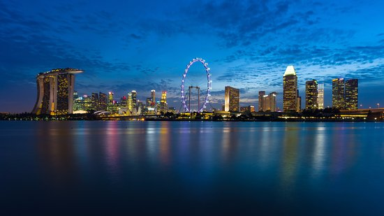 Conrad Centennial Singapore: The hotel is located in the heart of Marina Bay, the dynamic playground for the discerning trave