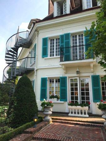 Chateau de Montreuil: photo2.jpg