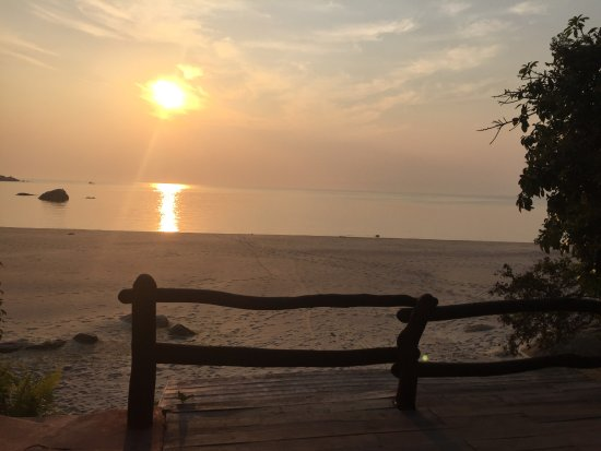 Chintheche, Malawi: Sunrise over Lake Malawi. View from the dining room