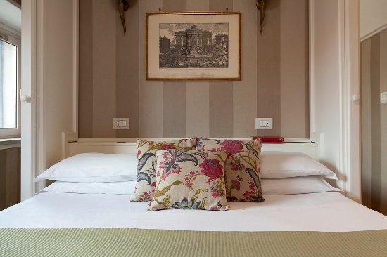 Kennedy Hotel: SUPERIOR DBL ROOM ( DETAILS)