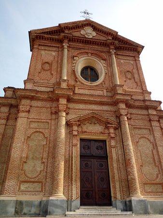 Marene, Italy: La facciata