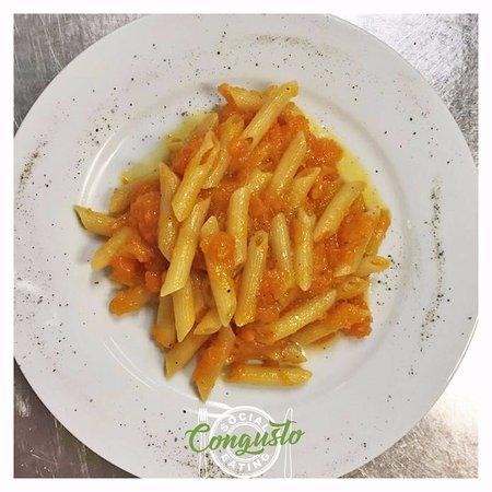 Peccioli, Italien: pennette alla crema di zucca
