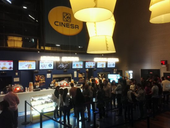 ‪Cinesa Manoteras‬