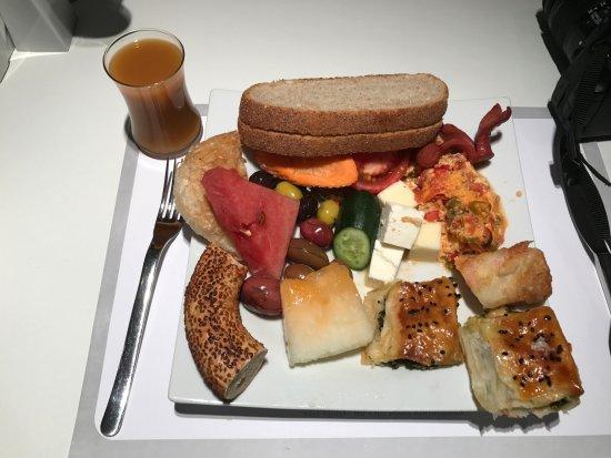 Met Boutique Hotel: Excellent breakfast