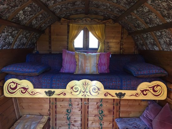 Shipston-on-Stour, UK: sofa which turns into a bed in the gypsy caravan