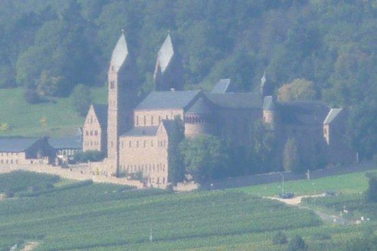 Benedictine Abbey of St. Hildegard: vom Schloss Johannisberg aus aufgenommen