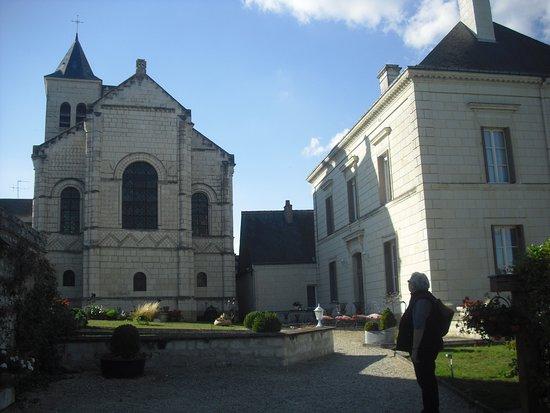 Domaine du Héron on the right, Notre-Dame Rivières on the left.