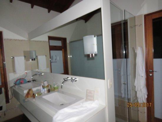 Kuriuwa Hotel: photo1.jpg