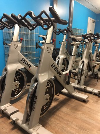 Хай Уиком, UK: Spin bikes in our studio at Rush High Wycombe