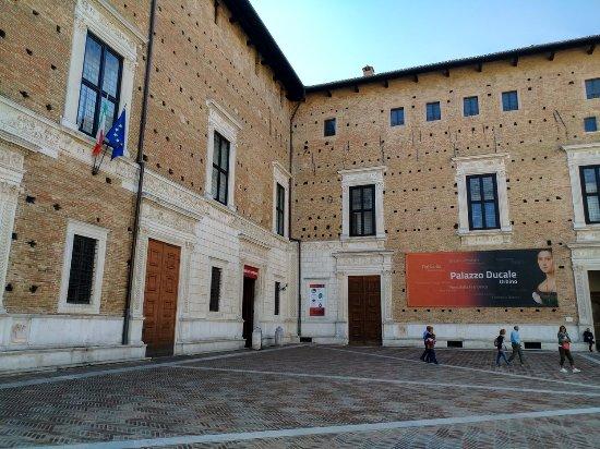 Ritratto Di Federico Da Montefeltro Col Figlio Guidobaldo Picture