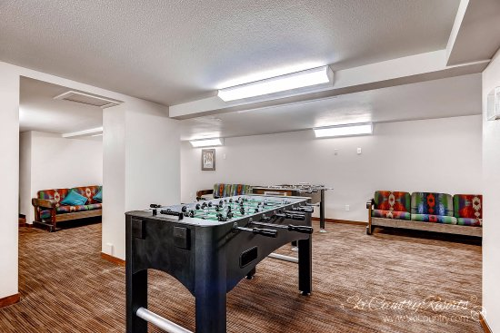 Park Meadows Lodge Breckenridge: ..Or a Game of Foosball..
