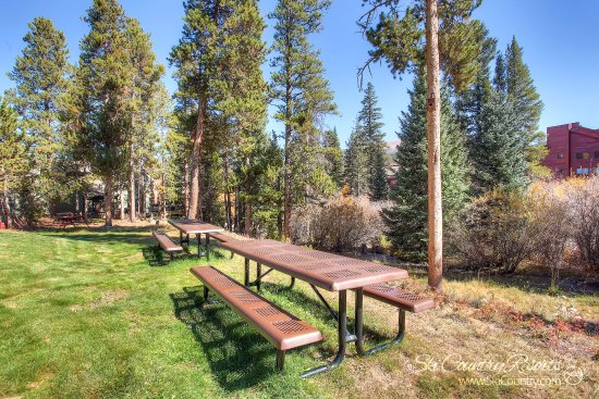 Park Meadows Lodge Breckenridge: Situated On a Year Round Stream, Park Meadows is the Perfect Place for a Picnic in Summer