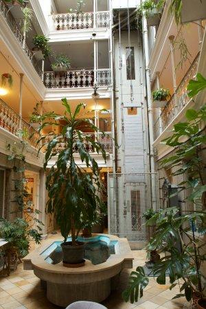 As You Enter On Ground Floor Bild Von Atrium Hotel Blume Baden